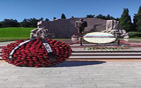"""Компания """"Azpetrol"""" посетила могилу Великого Лидеря Гейдара Алиева"""